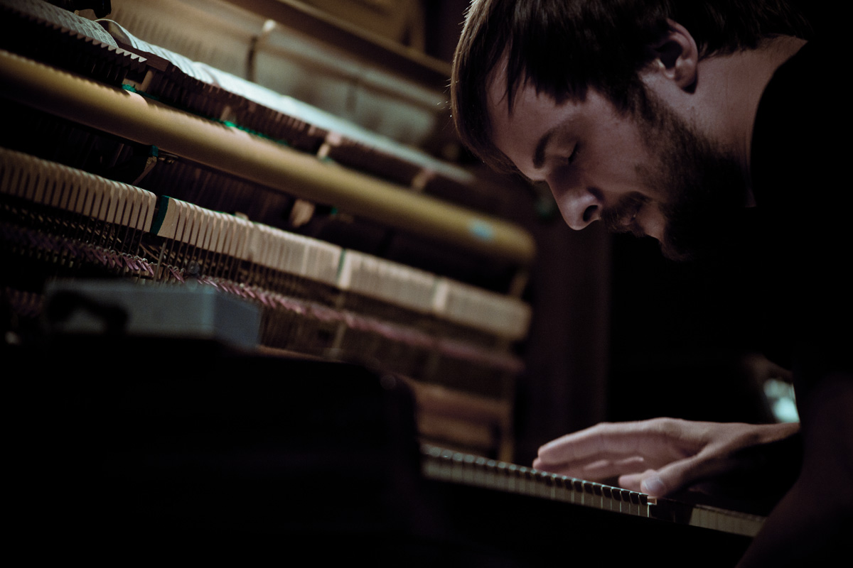 Nils-Frahm-live-in-Japan-photo-by-Ryo-Mitamura_web