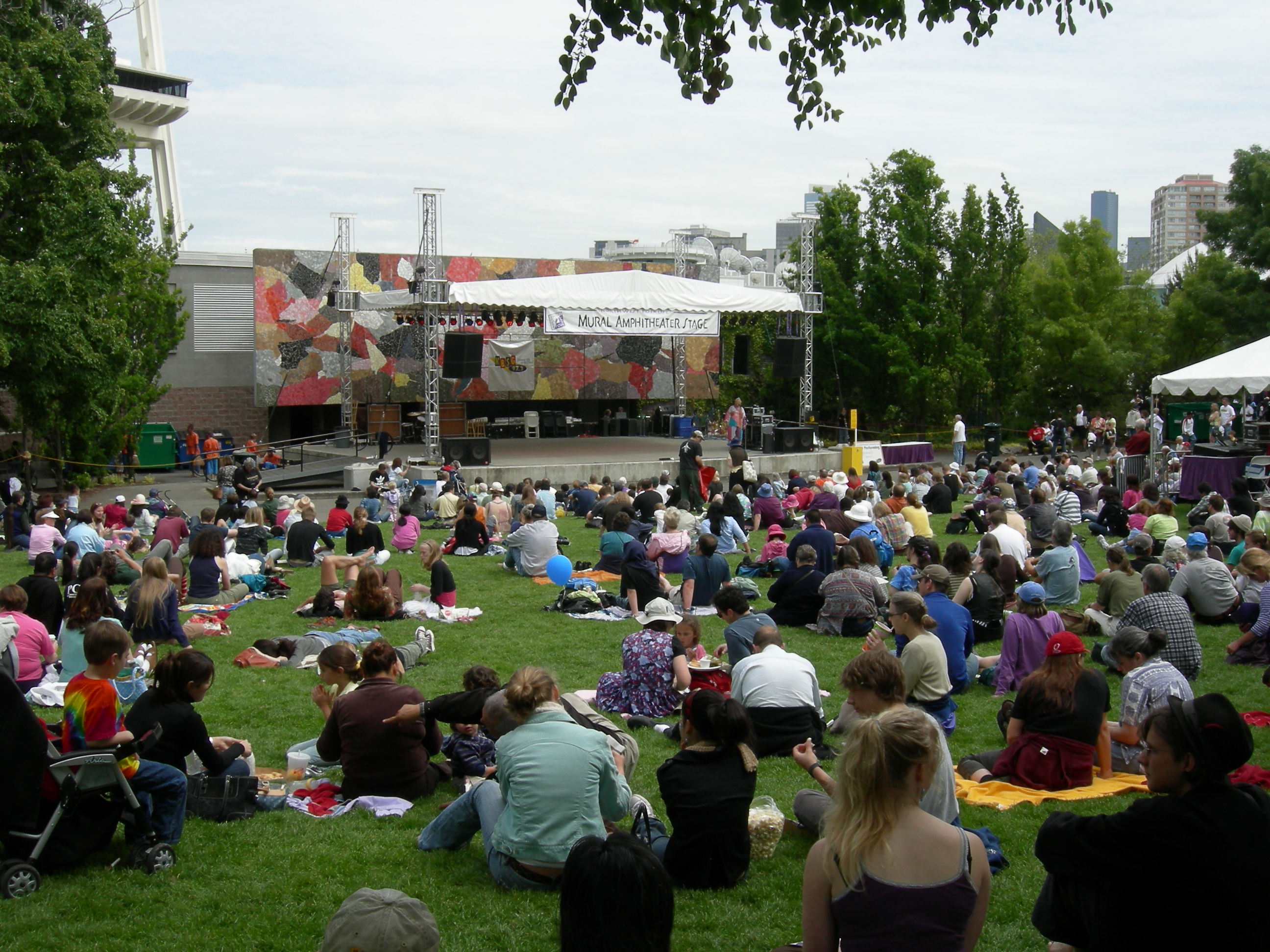 Seattle_Folklife_-_Mural_Amphitheater